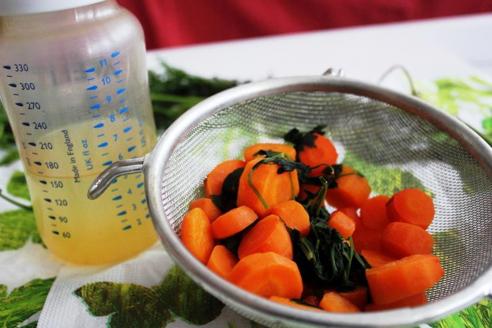 Bouillon de carotte au persil pour bébé