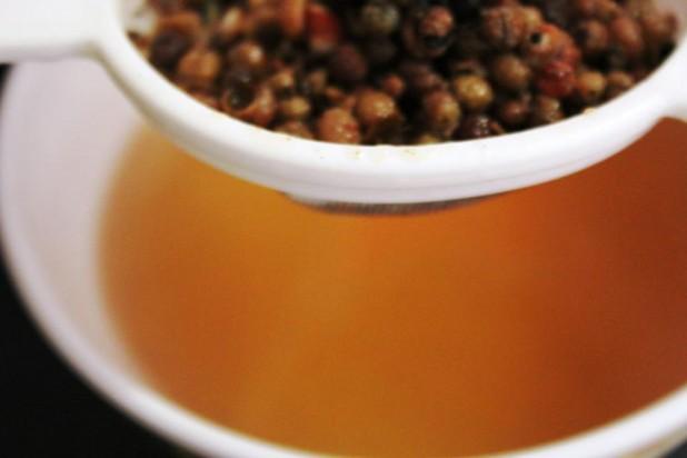 Soupe d'Ananas & Fraises au poivre de Sichuan