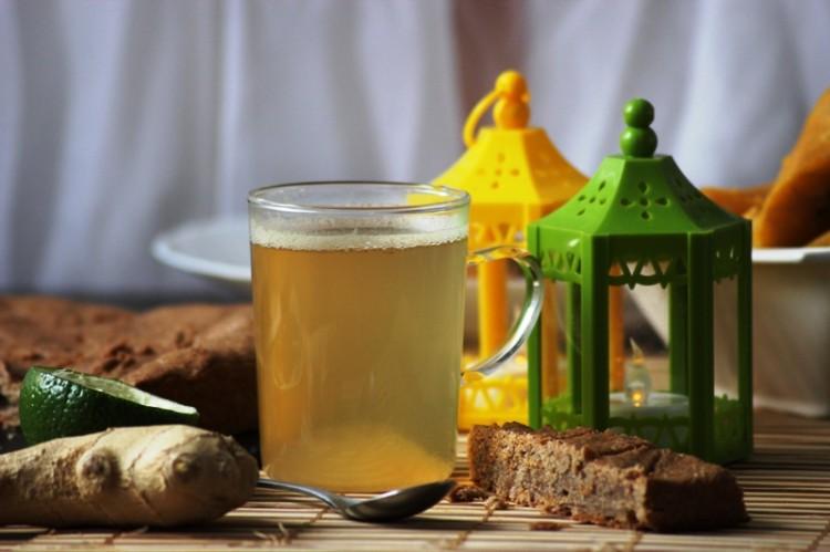 thé vert au gingembre et clou de girofle