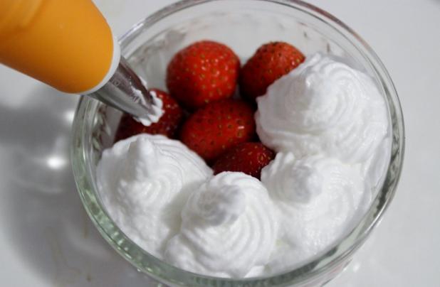 fraises meringuées