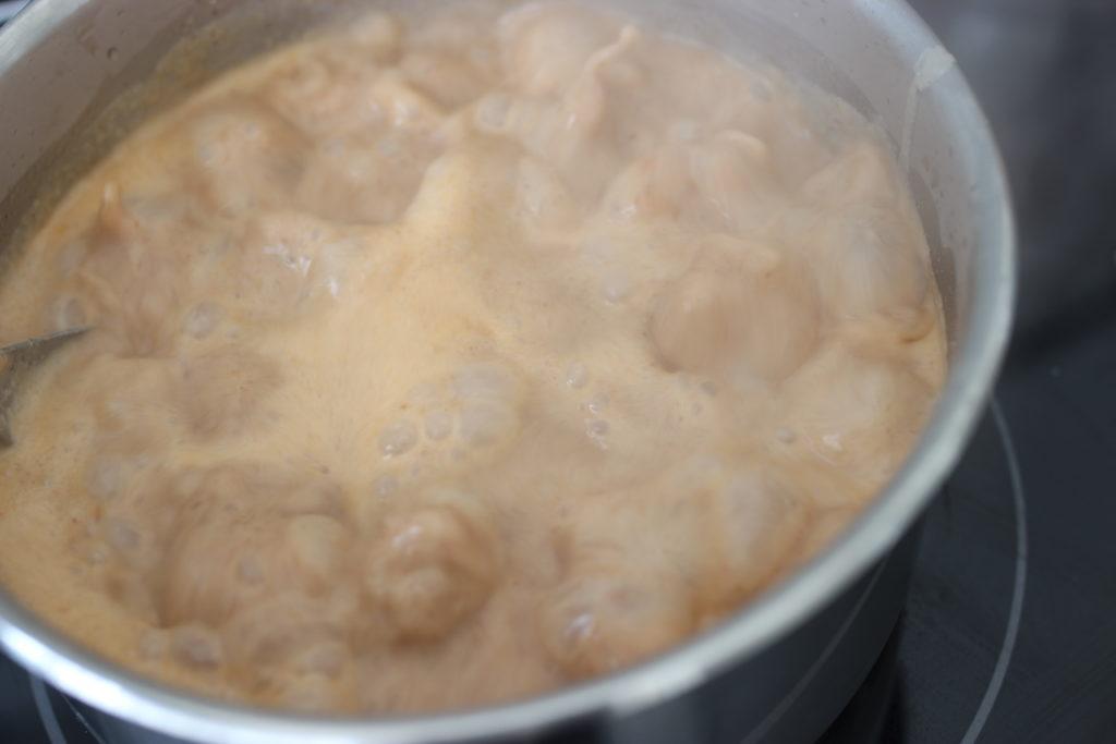 sauce d'arachides au poisson fumé